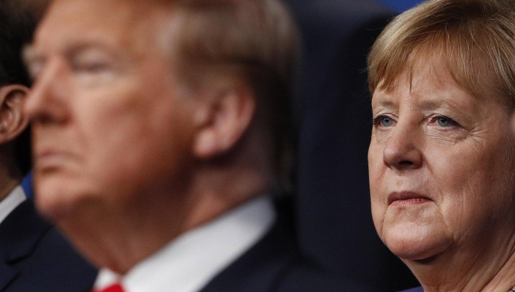 Merkel sul blocco di Twitter a Trump Chiusura problematica