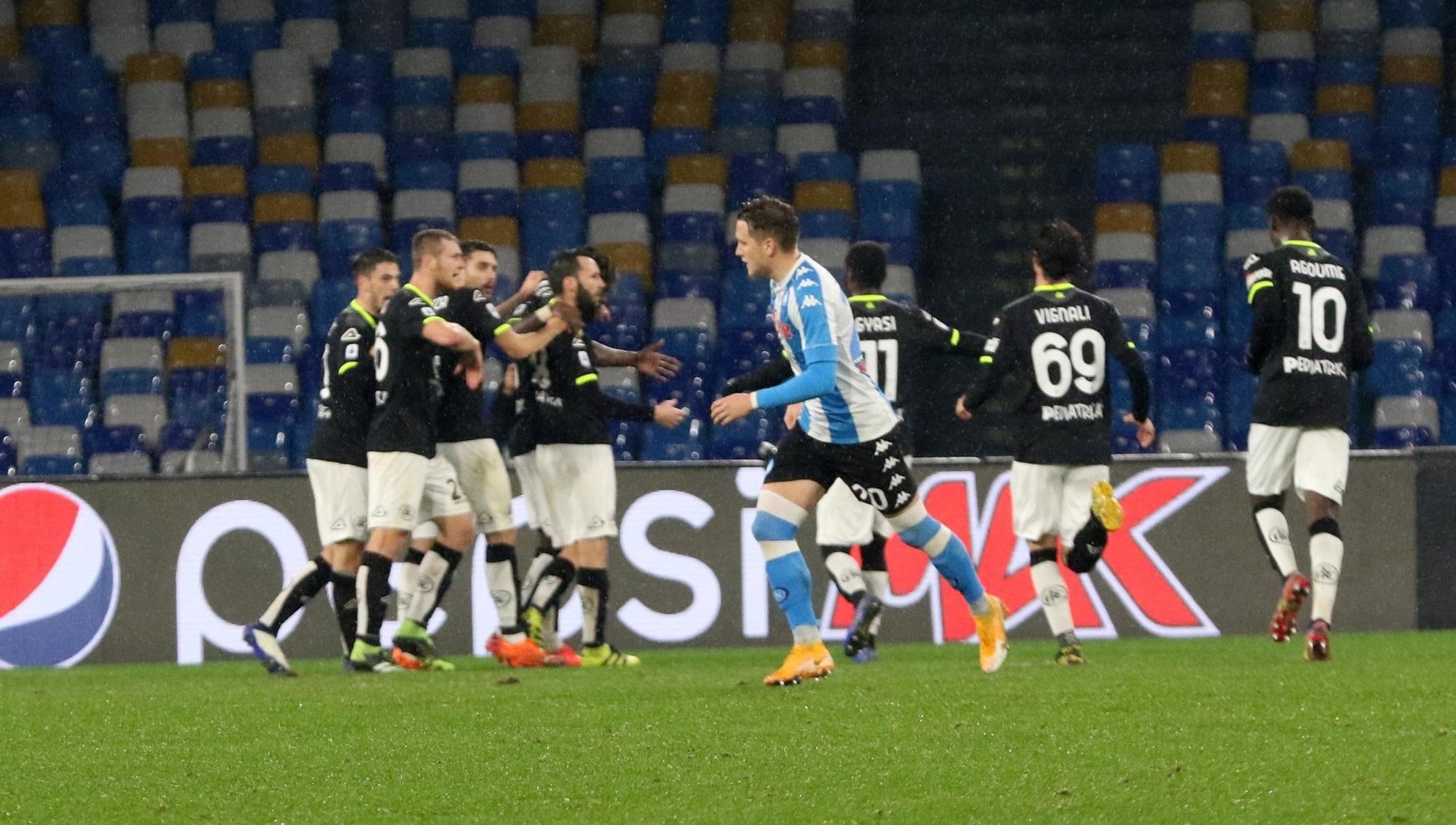 Napoli Spezia 1 2 azzurri spreconi Pobega firma limpresa in dieci