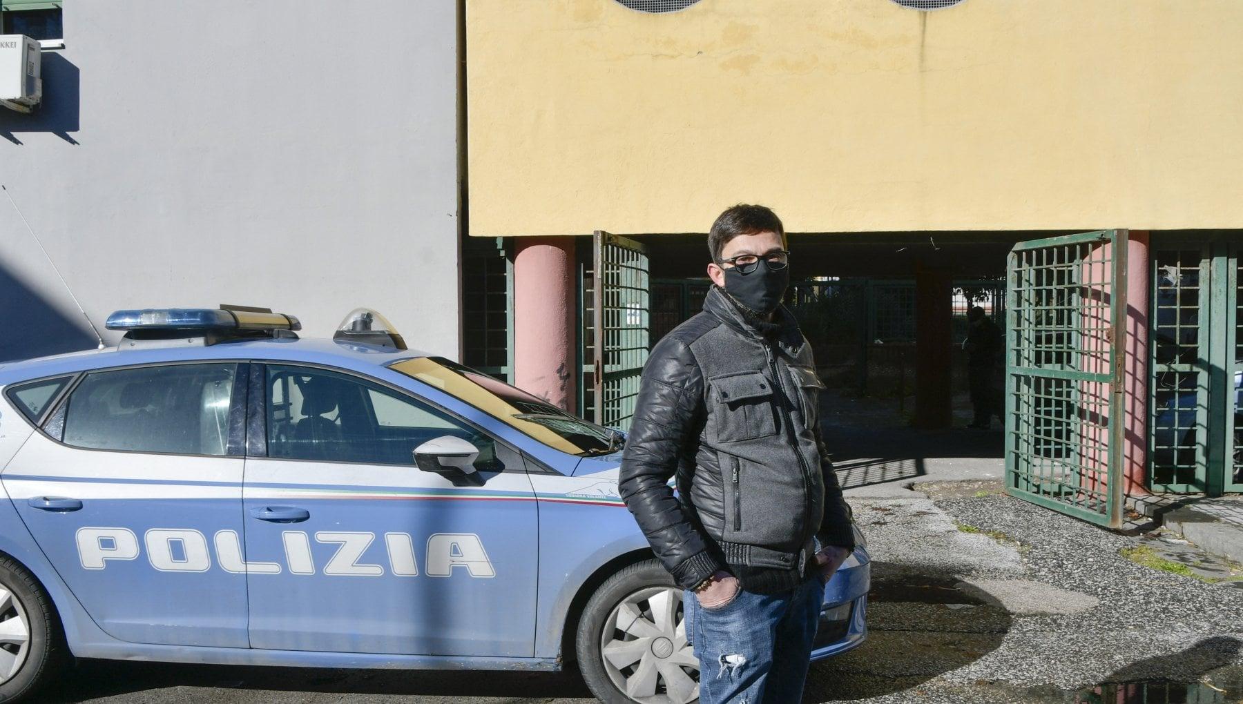Napoli il rider rapinato trova lavoro in un supermarket Un sogno e quello il mio vero mestiere