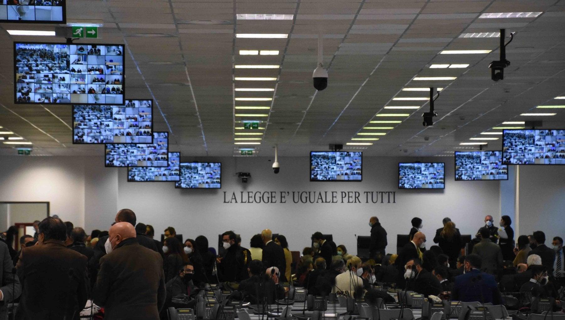 Ndrangheta nellaula bunker di Lamezia Terme comincia il maxi processo Rinascita Scott