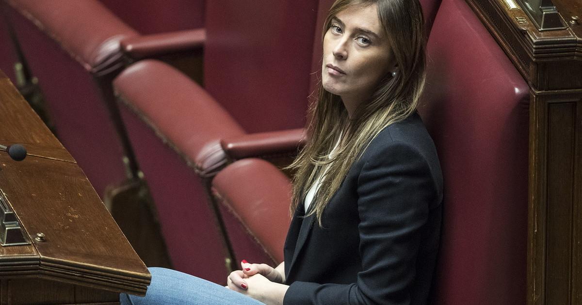 Non vogliamo poltrone Retroscena il no grillino alla Boschi ha di fatto aperto la crisi svelato il bluff di Renzi