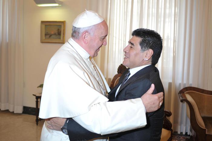 Papa Maradona era un poeta il doping annulla la dignita