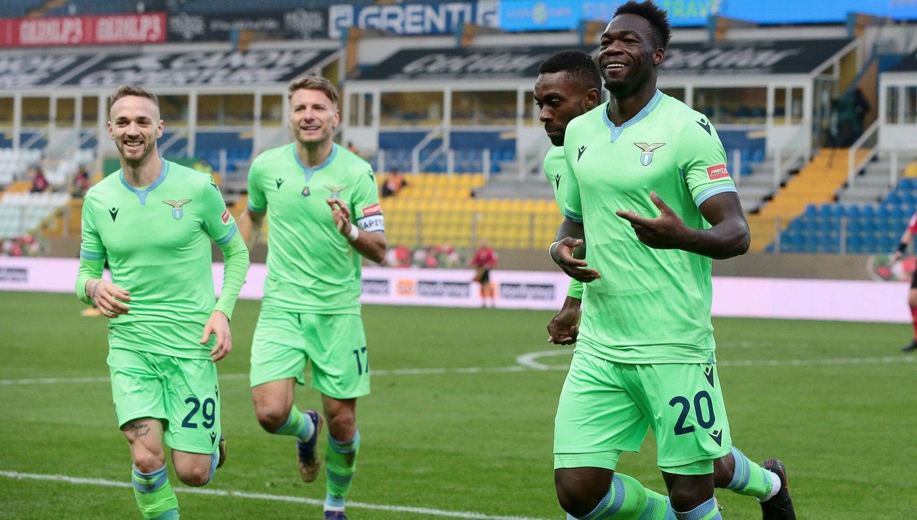 Parma Lazio 0 2 i biancocelesti rovinano il ritorno di DAversa