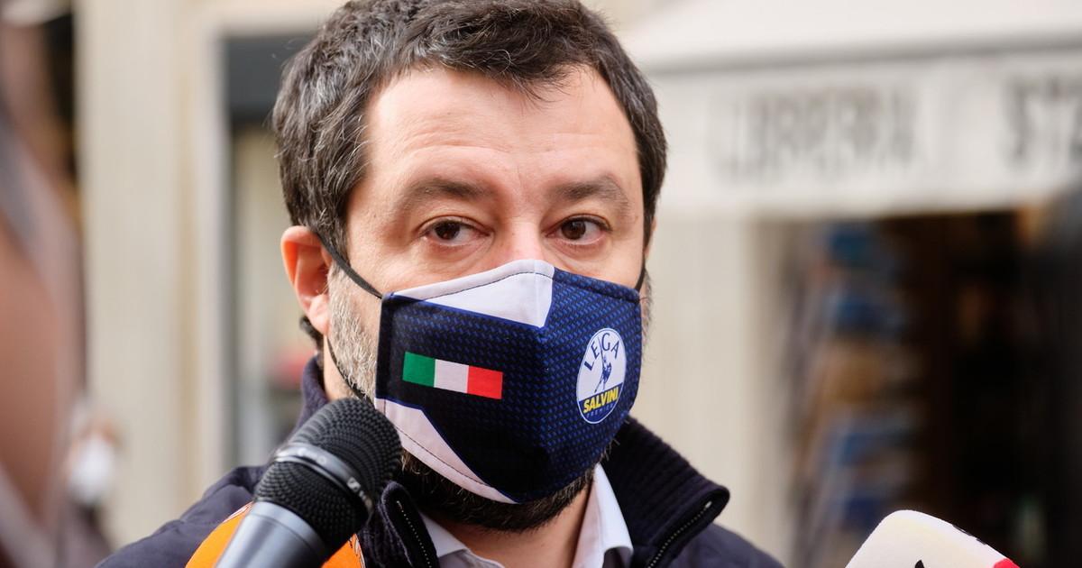Partiti gli sms leghisti. Salvini la campagna acquisti per annientare Conte ci ripensa sulla fiducia