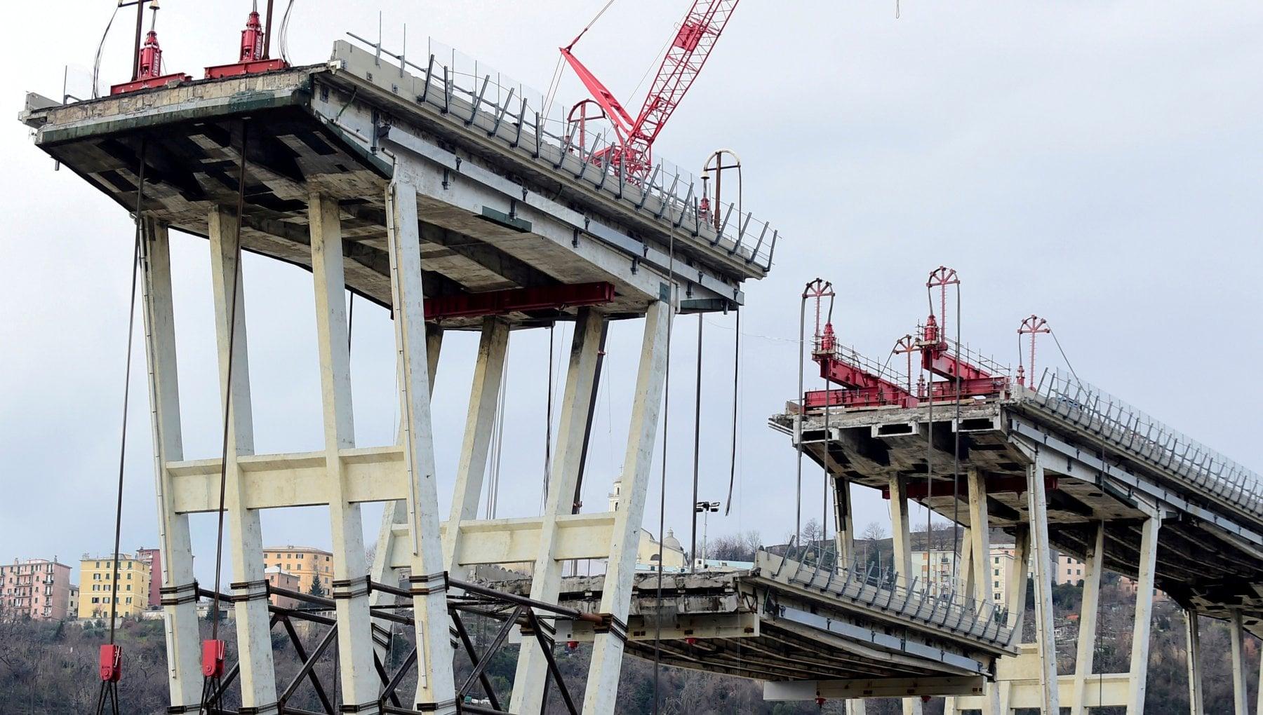 Ponte Morandi si aggrava ancora la posizione degli indagati rischiano sino a dieci anni