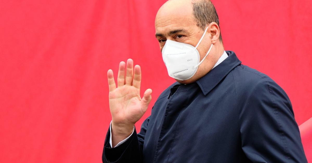 Presuntuoso distruttore. Sacre stanze Pd Zingaretti sbrocca contro Renzi e si inginocchia davanti ai voltagabbana
