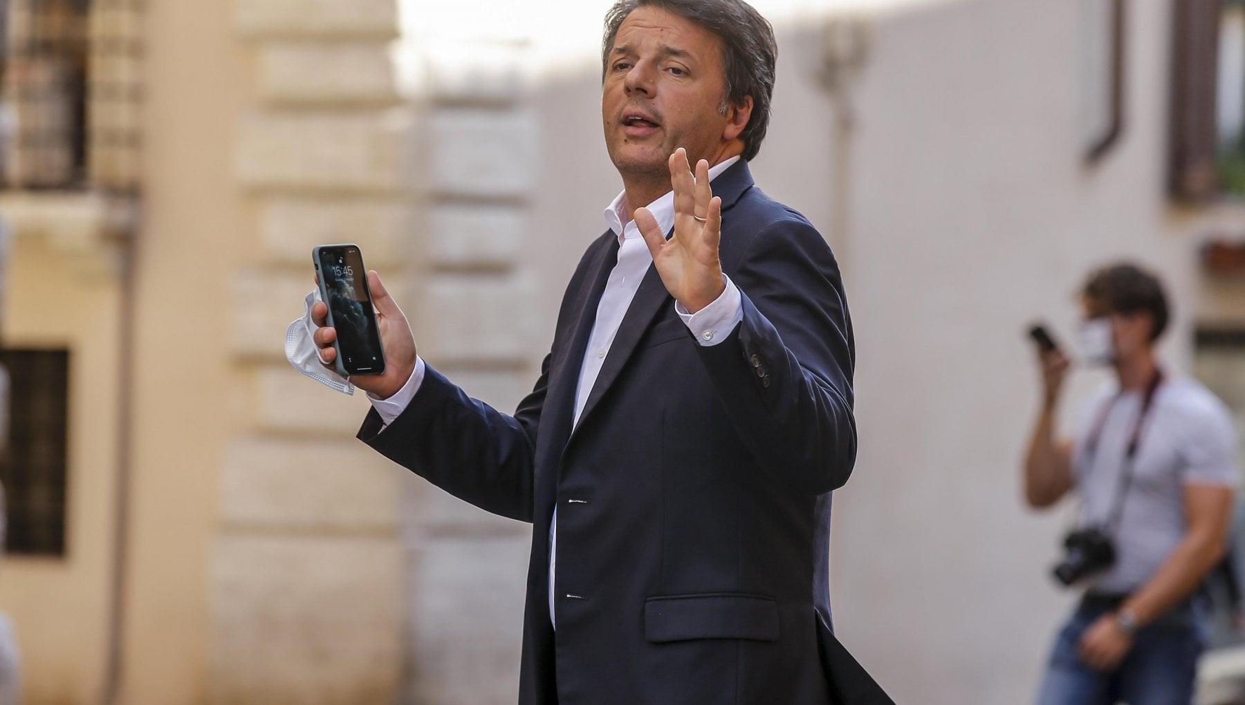 Renzi e Obama contro Trump per le elezioni Usa lultima teoria dei complottisti dellultradestra tira in causa lItalia