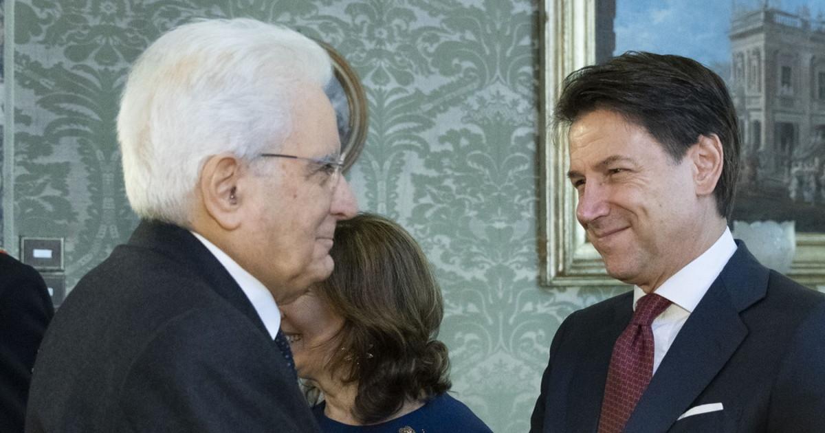 Retroscena crisi farsa e Conte Casalino spolpati Assist di Mattarella a Renzi voce dalle sacre stanze scenari clamorosi