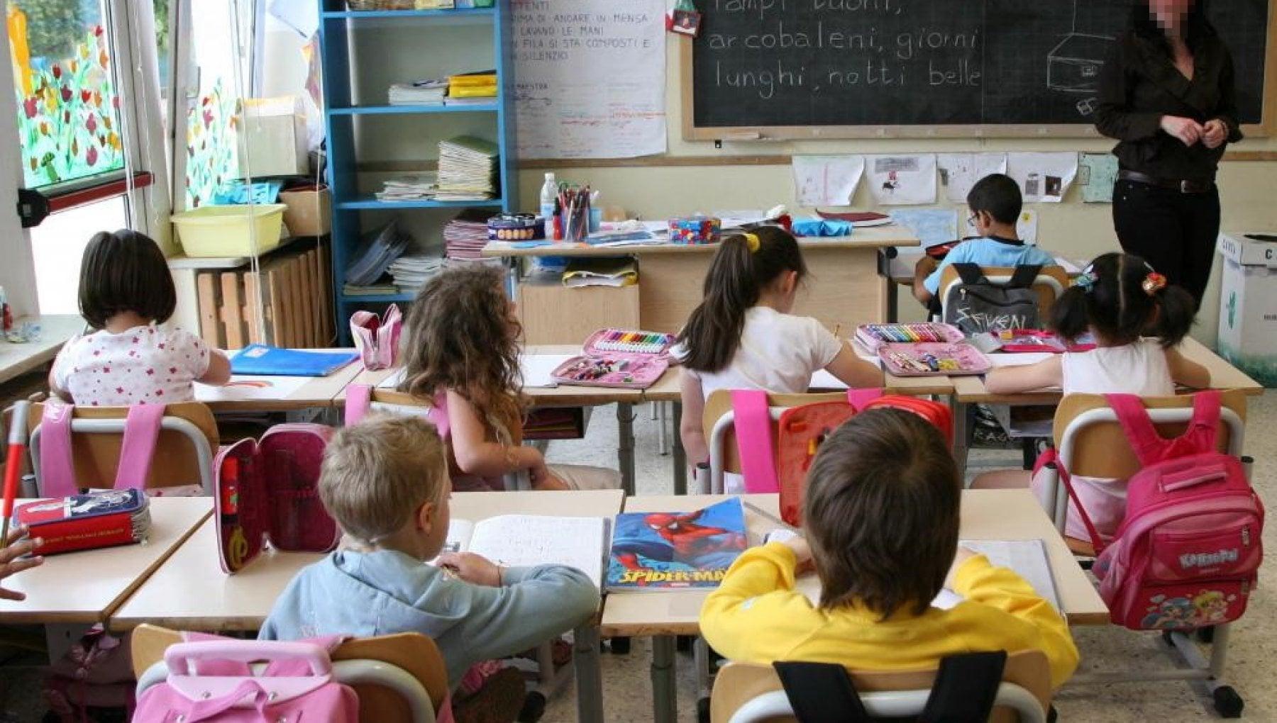 Rivoli contro il gender a scuola il Comune leghista chiede ai maestri relazioni preventive sugli argomenti da trattare