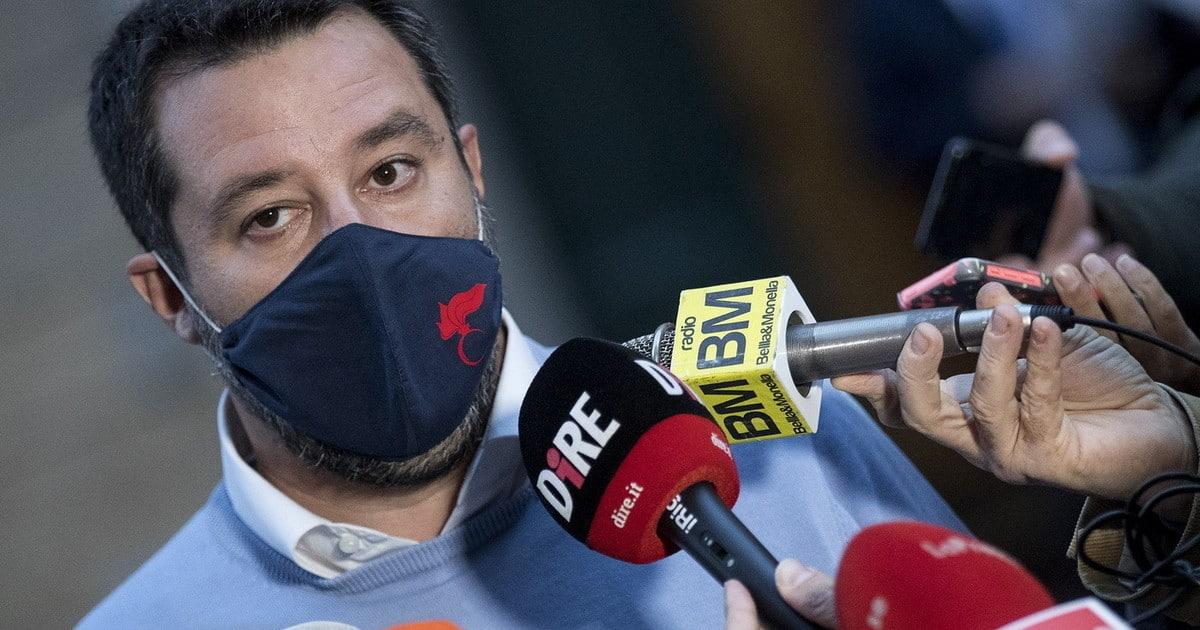 Salvini le tua mascherina di Trump. Vergognoso attacco in diretta tv lui risponde cosi Sapete cose quella ovazione