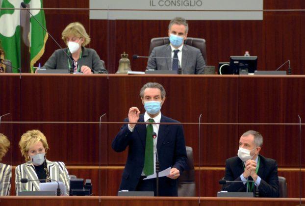 Scontro governo Lombardia sulla zona rossa lIss Da maggio fatte 54 segnalazioni di errore poi hanno rettificato non aggiornato