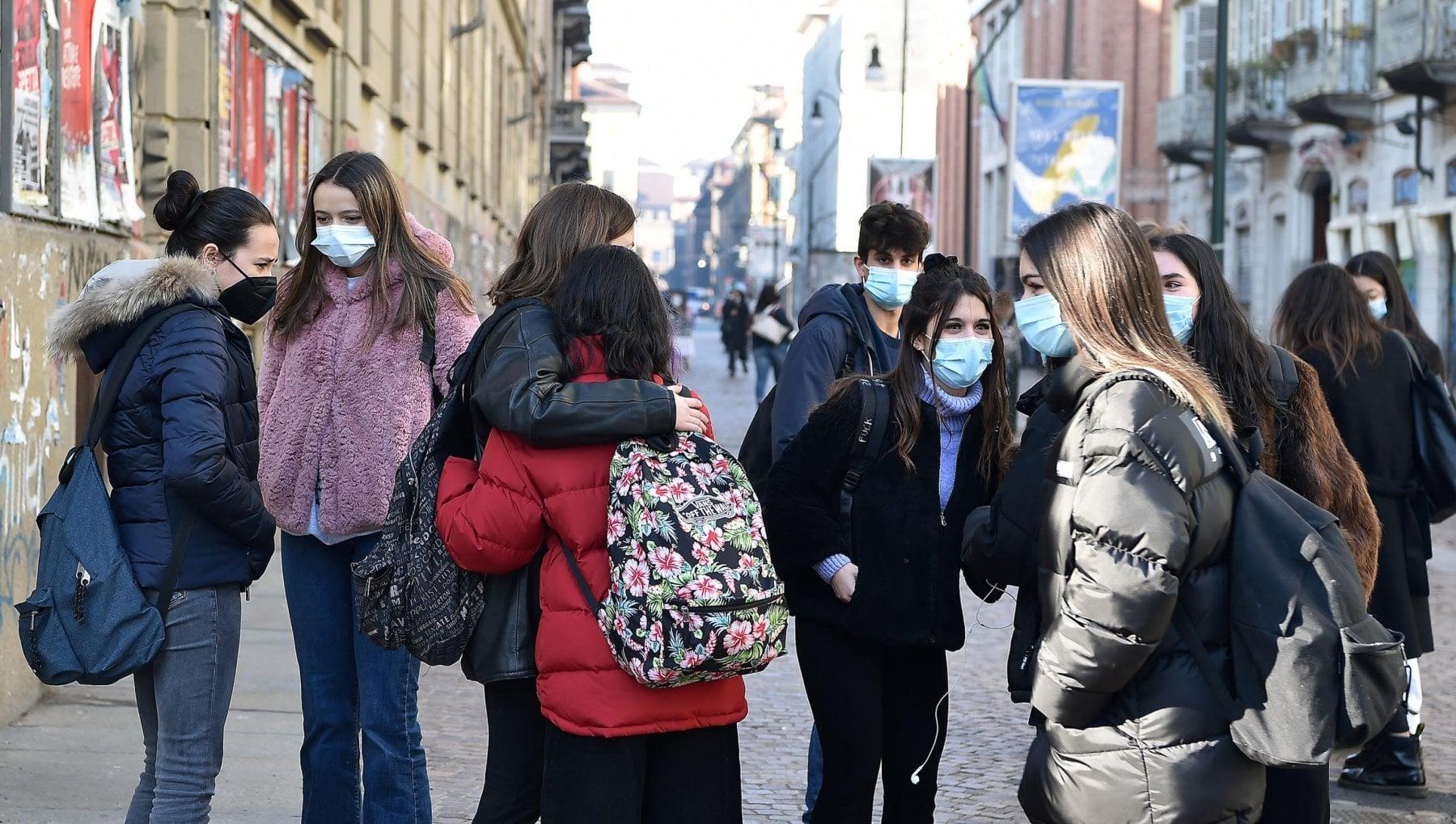 Scuole superiori in Campania il Tar boccia ancora De Luca Riapertura il primo febbraio