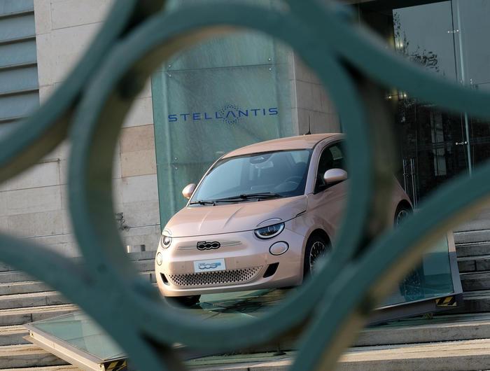 Stellantis debutta in Borsa. Elkann Una grande opportunita