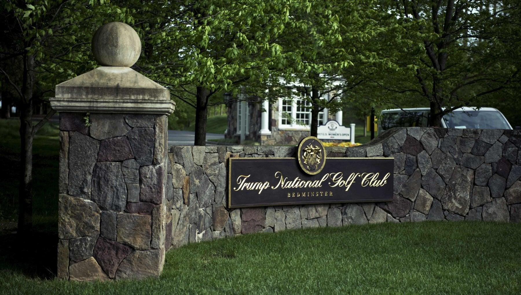 Usa il golf boicotta Trump niente torneo 2022 nel suo club