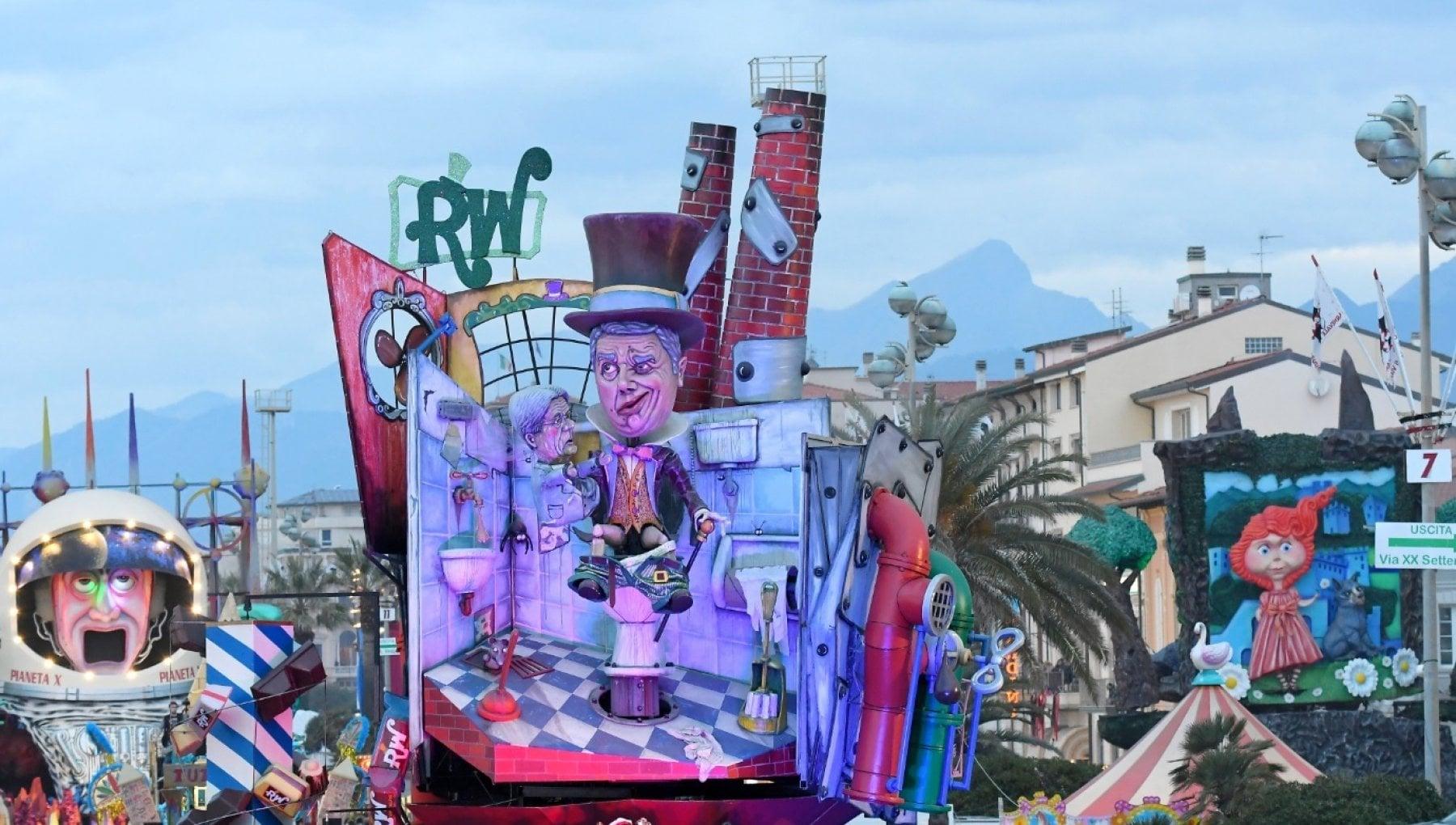 Viareggio il Carnevale slitta a meta settembre